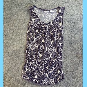 Size Small Ruched B&W Tank